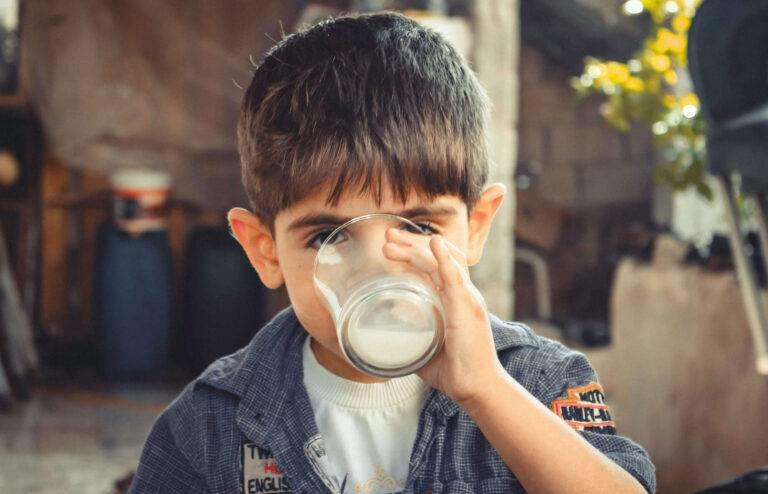 """""""Pij mleko, będziesz wielki!"""" – czy reklama może kłamać?"""